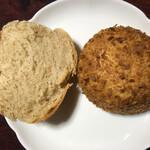 130978719 - 左は別のパン屋さんのウマいパン