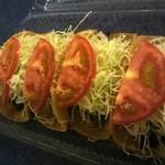 モーガンタコス - 料理写真:定番のタコス、4個で350円ってよー、ビビる!