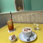 Q-pot CAFE. -