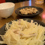 なかよし餃子 エリザベス - ジャガイモと豚肉のシャキシャキ冷菜