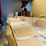 穴子印 江坂海鮮天ぷら おーうえすと - 内観1