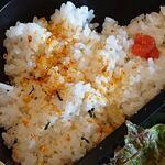 串カツ 田中 - 串カツ 田中 西葛西店 串カツ田中弁当 少な目でお願いしたご飯にはふりかけと辛子明太子がトッピングされます