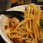 辛口肉ソバ ひるドラ - ②辛口肉ソバ醤油(麺)