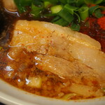 辛口肉ソバ ひるドラ - ②辛口肉ソバ醤油(厚切バラチャーシュー)