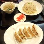 喜多方ラーメン 坂内 調布店 - チャーハン、餃子
