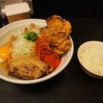 辛口肉ソバ ひるドラ - ③辛口肉まぜソバ味噌&生卵&カラアゲ + 白ご飯(小)
