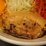 辛口肉ソバ ひるドラ - ③辛口肉まぜソバ味噌(厚切バラチャーシュー)