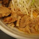 辛口肉ソバ ひるドラ - ③辛口肉まぜソバ味噌(薄切豚バラ)