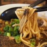 辛口肉ソバ ひるドラ - ④胡椒そば(麺)