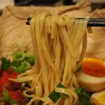 辛口肉ソバ ひるドラ - ⑤冷やし辛口冷しゃぶ肉そば(麺)
