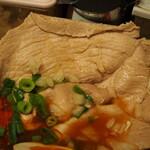 辛口肉ソバ ひるドラ - ⑤冷やし辛口冷しゃぶ肉そば(豚モモ肉の冷しゃぶ)