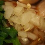 辛口肉ソバ ひるドラ - ⑤冷やし辛口冷しゃぶ肉そば(玉ネギ)