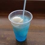 軽食・喫茶 プレオ - 青いフロート 250円
