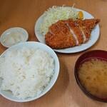 131033358 - ロースかつ定食(大・970円)