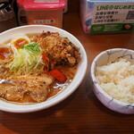 辛口炙り肉ソバ ひるドラ - 辛口炙り肉ソバ味噌(味玉&カラアゲ)+白ご飯(小)