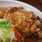 辛口炙り肉ソバ ひるドラ - 辛口炙り肉ソバ味噌(カラアゲ)
