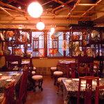 四川辣子鶏 老地方 - 角テープルの写真