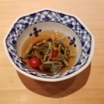 鮨 尚充 - 蓴菜 マイクロトマト