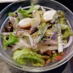 LEVEL4 - サラダ。山菜と海藻系も入っていたような気がします。