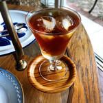 Tea Cozy - ブラックキャラントのアイスティー