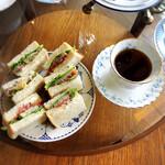 Tea Cozy - 今月はティールームなのにコーヒーサービス