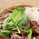 粗挽き蕎麦 トキ - 拡大(三つ葉、ネギ)