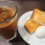 ホリーズカフェ - モーニングトーストゆで卵セット(ダッチアイスコーヒー)