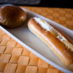 小っちゃなパン屋さん - 小っちゃなパン屋さん コッペパンにクリームとパイナップル