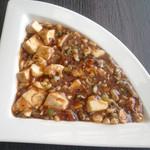 13107552 - 麻婆豆腐は麻も辣も少なめで辛さもなく一般向けの味付けです。