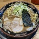 関西 風来軒 - 少し縮れた中細麺