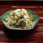 片折 - 胡瓜とクラゲと椎茸の和物