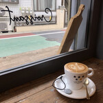 FIVE STARS COFFEE&BAKERY  - カフェラテ¥480