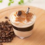 みによん - 【コーヒーゼリー】さっぱりしたコーヒームースとコーヒーゼリーに柔らかい生クリームをのせました。