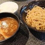 つけめん美豚 - 煮魚出し汁つけ麺