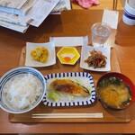 あいおい食堂 - ♦︎あいおい定食 ¥1,100 (シャケの味噌マヨ焼き)