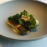 メゾン・バルサック - ヒラメのポアレ ギリシャ風野菜 カリフラワーのピュレ