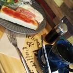 キッチン&コーヒー ビー - 目玉焼き2つです(^o^)v
