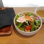 花カフェ ブルーミーズ - スペシャルランチ(スープ・サラダ)