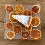 ヤマ ベイクド - ルバーブのチーズケーキ