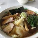 よし川家 - 料理写真:ワンタン麺