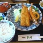 13111885 - ミックスフライ定食 1100円