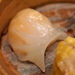 中国料理 琥珀 - 海老蒸し餃子