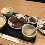 ねぎし - 牛たん三種盛りセット+ミニがんこちゃん