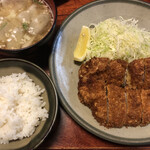 とんかつすずき - ロースカツ定食   1900円
