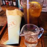 131118101 - レモンティはシロップ入れなくても                       ほんのり甘い〜(笑)                       レモンの厚みが嬉しい♥♥