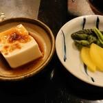 レストラン喫茶 タクト - ミニ冷奴、漬け物