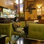 レストラン喫茶 タクト - 店内の様子(最奥席から)