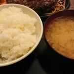 レストラン喫茶 タクト - ご飯(ハーフ)、味噌汁