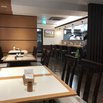 横濱屋本舗食堂 - 内観写真:店内