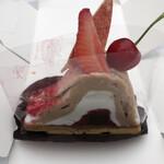 131136158 - 峠桜いちごモンブラン